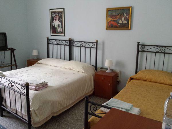 Appartamento al mare vicino a taormina for Seminterrato finito in affitto vicino a me