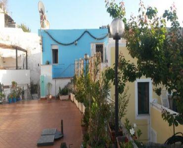 Casa VacanzeBilocale in centro con terrazzo vista mare