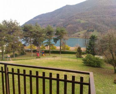 Casa VacanzeMag House Apartment Fronte Lago Ranzanico