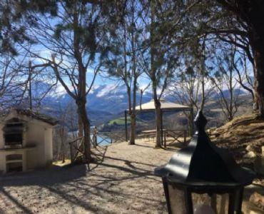 Casa VacanzeAppartamento 70mq. in casale sul lago Gerosa,M.Sibillini