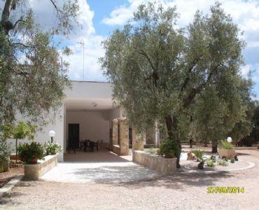 Villa VacanzeVilletta nel verde a 3 km da Pescoluse