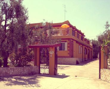 Villa VacanzeVilla varie soluzioni a 700mt dal mare