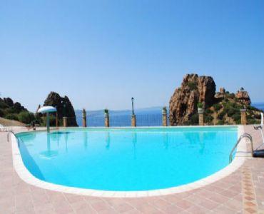 Villa VacanzeSardegna 4 posti con piscina e parcheggio