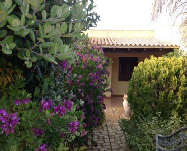 Casa VacanzeElegante villetta con giardino