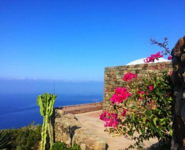 Villa VacanzeDammuso il Sogno a picco sulla scogliera