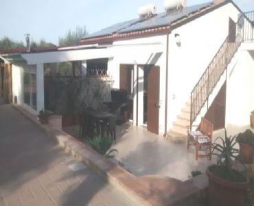 Casa VacanzeVillaindipendente -accesso privato  spiaggia