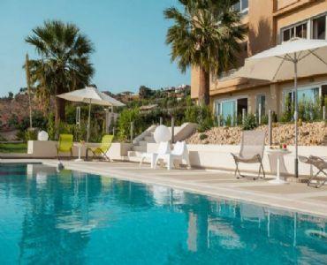 Casa VacanzeCasa vacanze con piscina vista mare