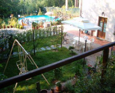 Casa VacanzeNel verde delle colline lucchesi...
