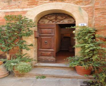 Casa VacanzeRomantico bilocale entro le mura medioevali