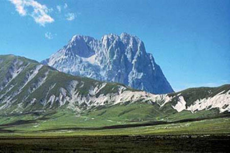 Leggi: Parco Nazionale del Gran Sasso