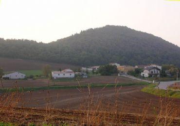 Leggi: Monticchio e le sue acque minerali