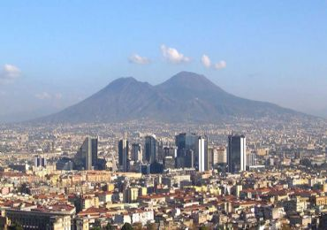 Leggi: Vesuvio: Il Vulcano da visitare