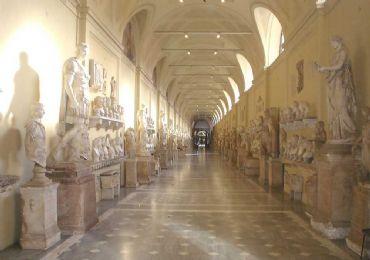 Leggi: La Cappella Sistina, l'incredibile Capolavoro