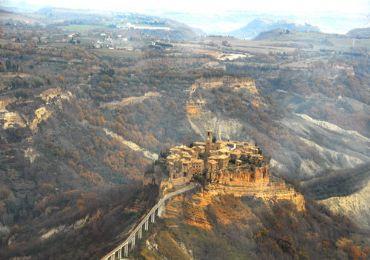 Leggi: Civita, la città che muore