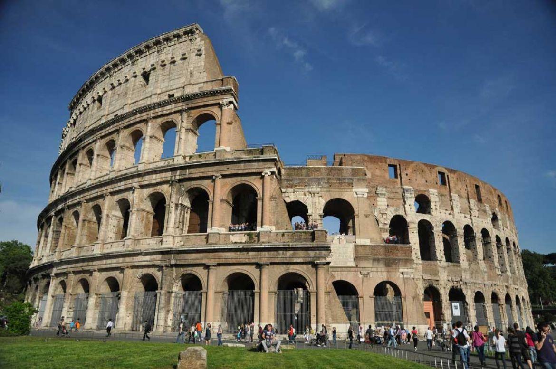 La storia del colosseo simbolo di roma for Colosseo da colorare