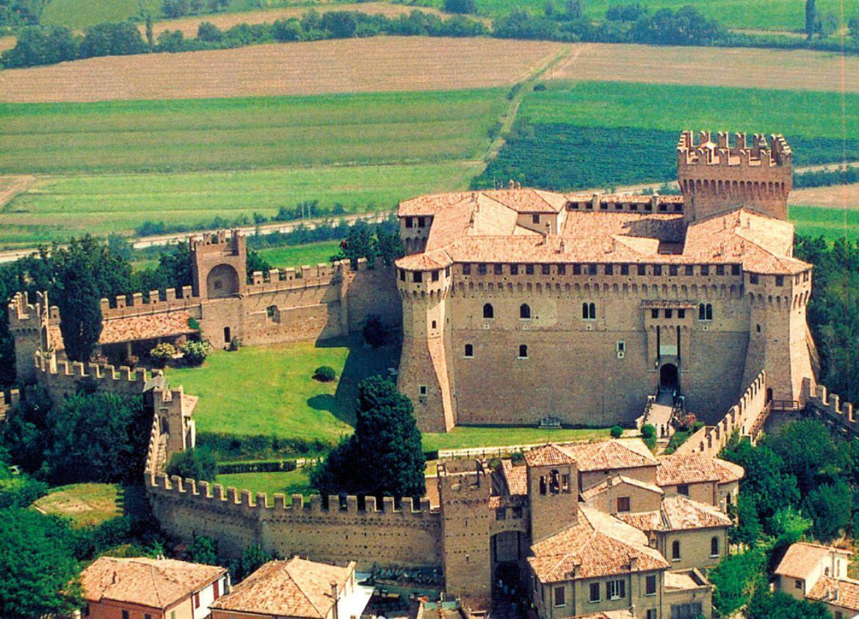 Leggi: Il Castello di Gradara