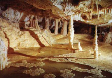 Leggi: Le Grotte di Frasassi