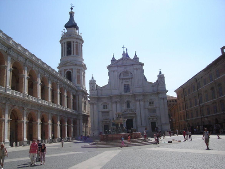 Leggi: Il santuario di Loreto
