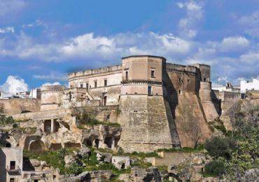 Leggi: Massafra, il castello e le gravine da vedere