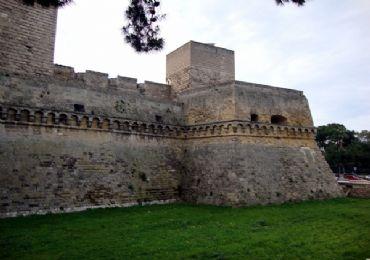 Leggi: Il Castello Svevo di Bari