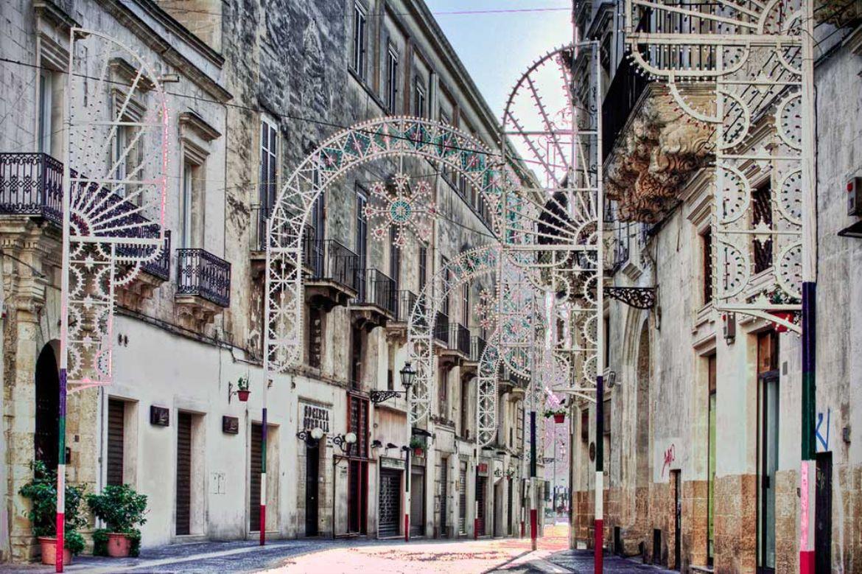 Leggi: Visita a Lecce: ecco Cosa Fare e Vedere a Lecce