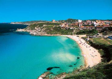 Leggi: Costa Smeralda, le 10 spiagge più belle e suggestive