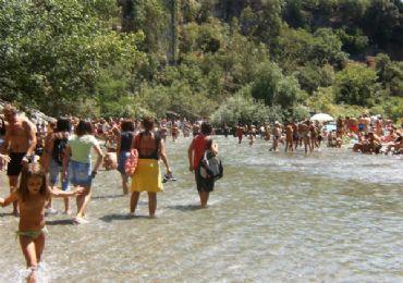 Leggi: Riserva Naturale delle Gole dell'Alcantara: viaggio tra natura e storia