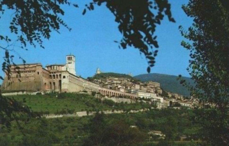 Leggi: Assisi - La terra dei Santi