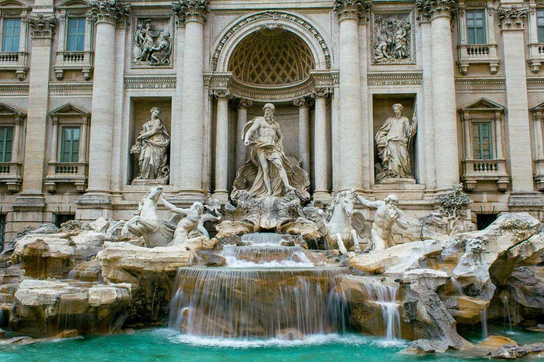 La Fontana di Trevi: La più grande di Roma