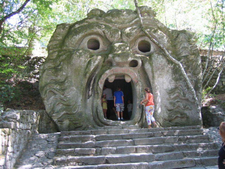 Il Parco dei Mostri, tra sculture mostruose e vegetazione