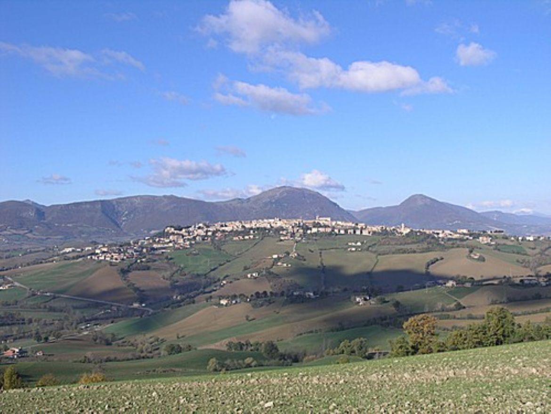 Camerino: città d'arte tra le colline dell'alto maceratese