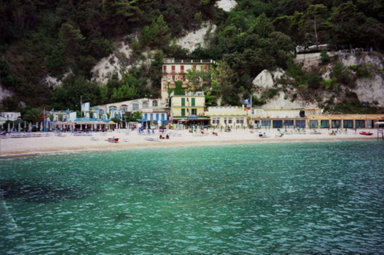 Sirolo splendida cittadina della riviera del conero for Hotel meuble la spiaggiola numana