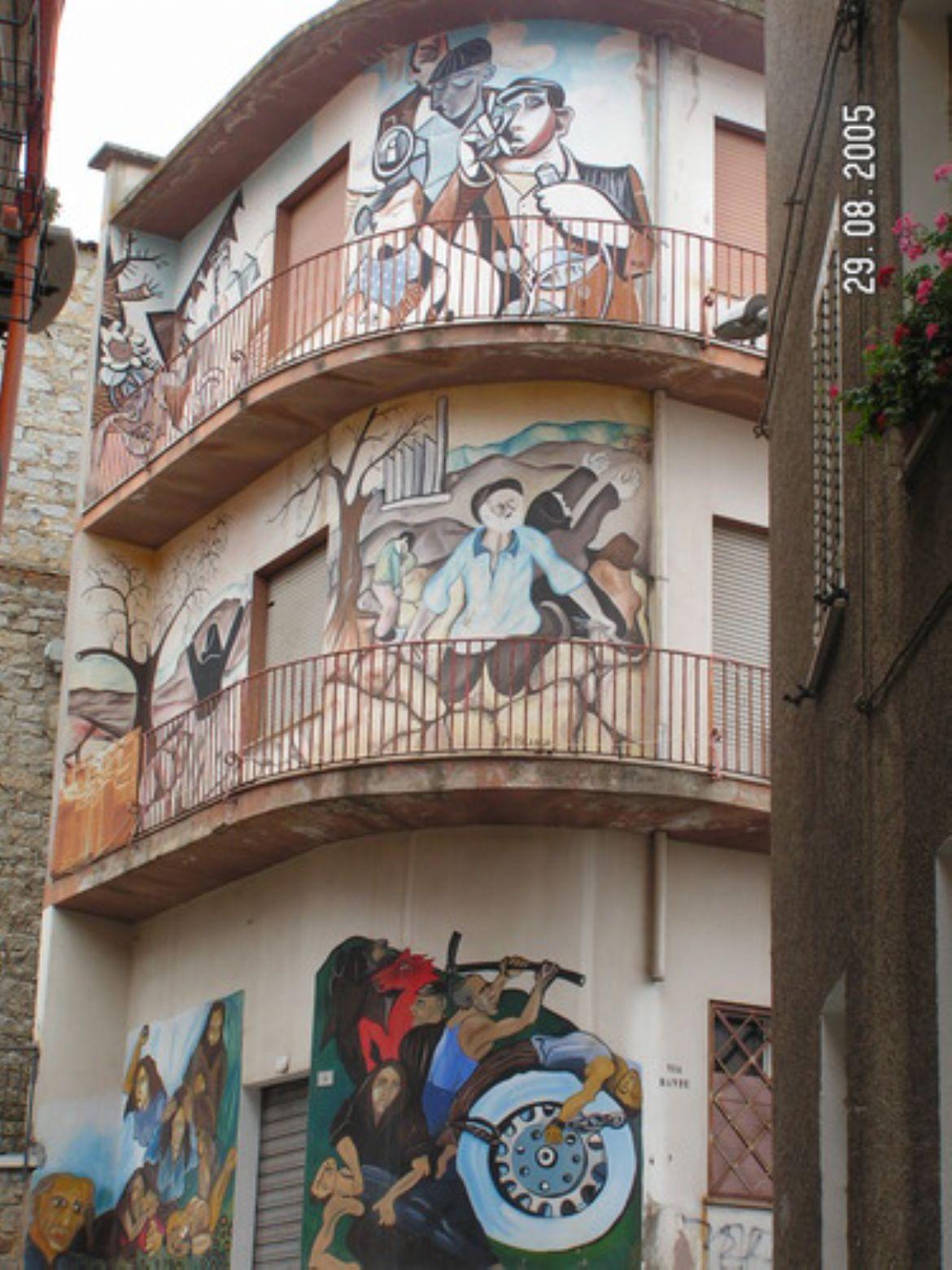 Orgosolo: paese dei murales