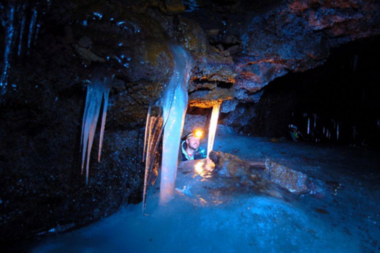 Tour delle Grotte Dell Etna