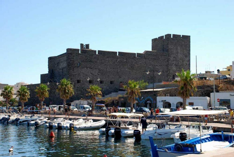 Isola Di Pantelleria Spiagge, Mare, Colori e Relax