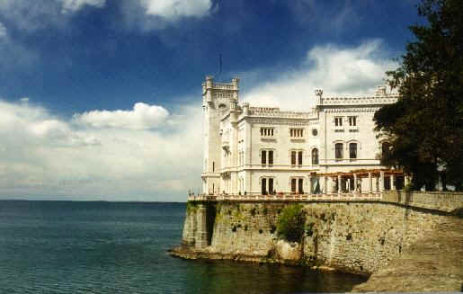Trieste Castello di Miramare Foto il Castello di Miramare fu