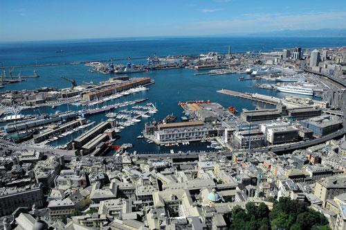 Genova, avvistate sette sfere luminose thumbnail