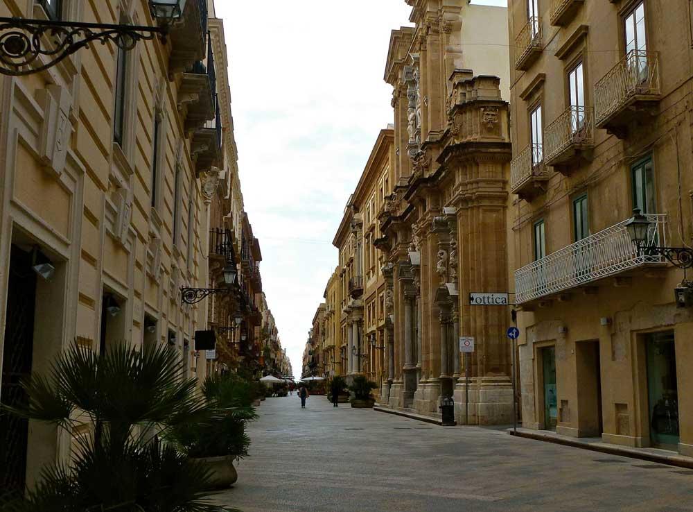 Cosa vedere a trapani la citt dei 2 mari for Hotel a bressanone centro storico