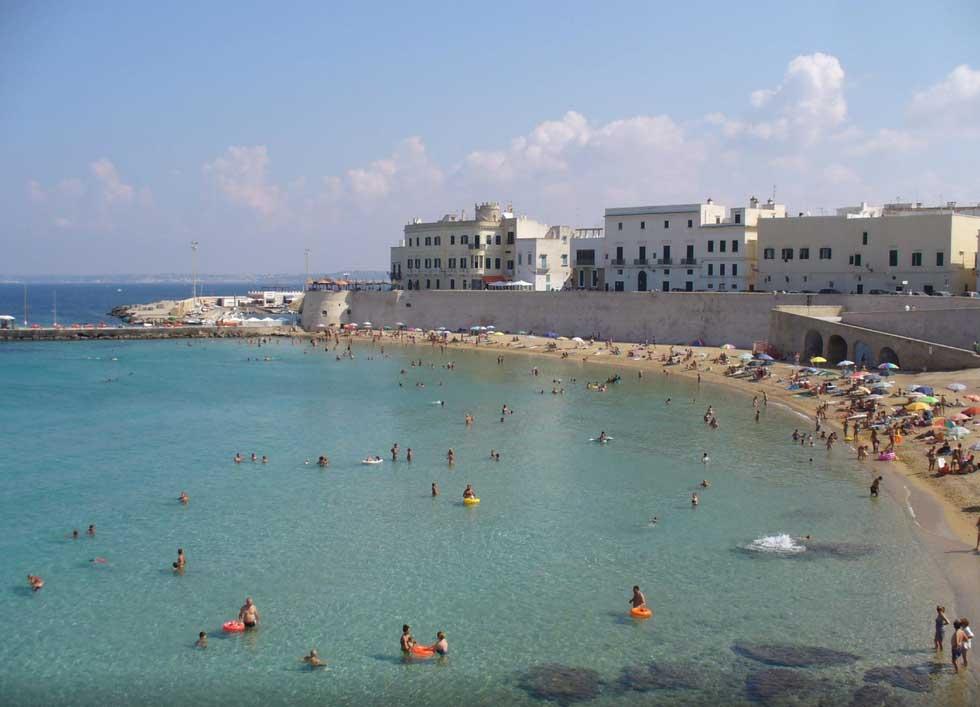 Matrimonio Spiaggia Gallipoli : Gallipoli cosa vedere spiagge e curiosità hotelfree