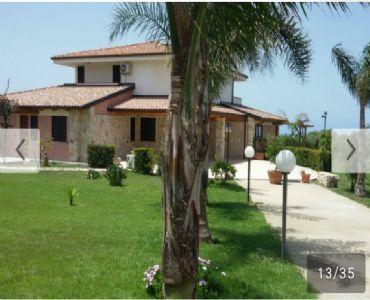 Casa VacanzeCasale tra mare e collina a Tropea