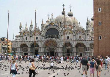 Leggi: La Basilica di San Marco, il fulcro della città di Venezia
