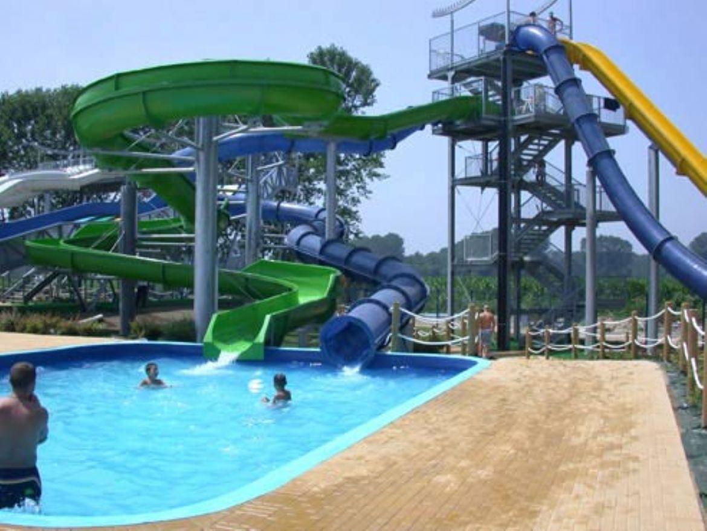 Piscine All Aperto Piemonte ondaland: il più grande parco acquatico italiano - hotelfree.it