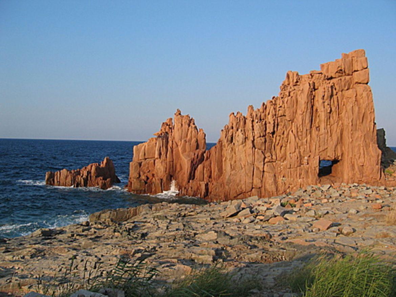 Arbatax e le sue rocce rosse