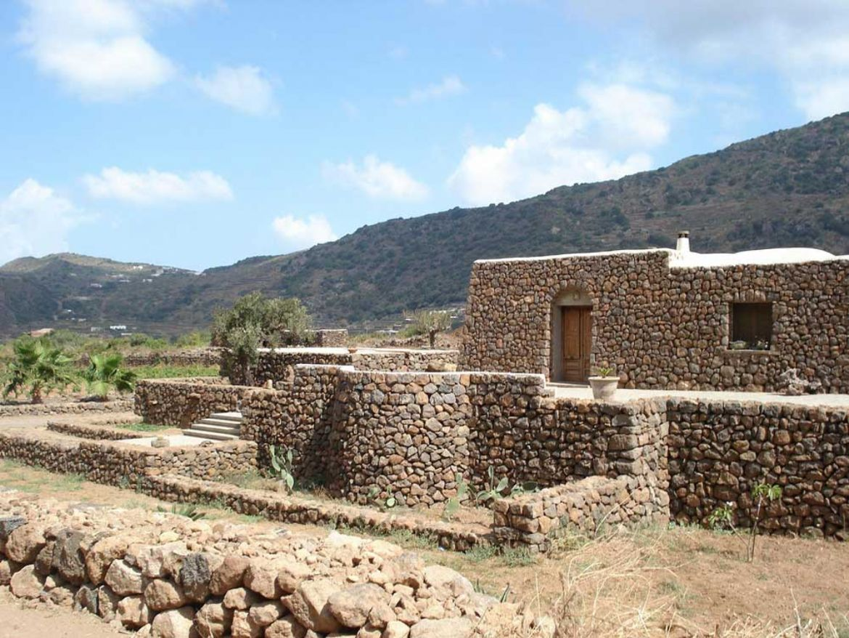 I Dammusi abitazioni tipiche di Pantelleria